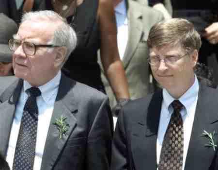 Warren_Buffett_Bill_Gates_visit_Canadian_oil_sands