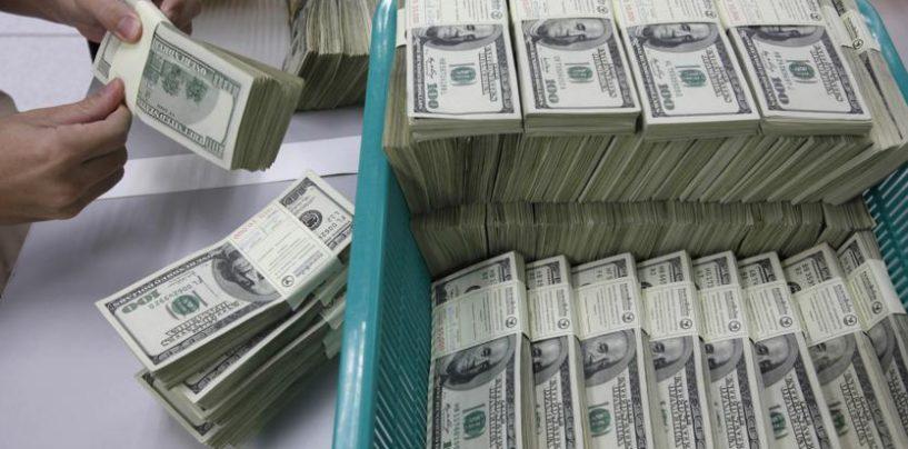 Dollaro in risalita sulle attese di politica fiscale