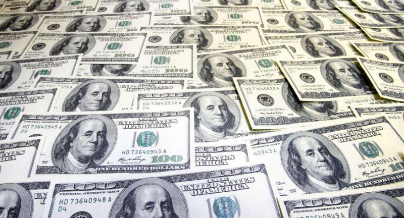 Cambio euro dollaro sotto quota 1.22, ai minimi da tre settimane